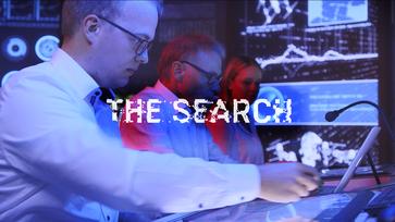 Forschungsmitarbeiter auf der Suche nach den besten Steckverbindern